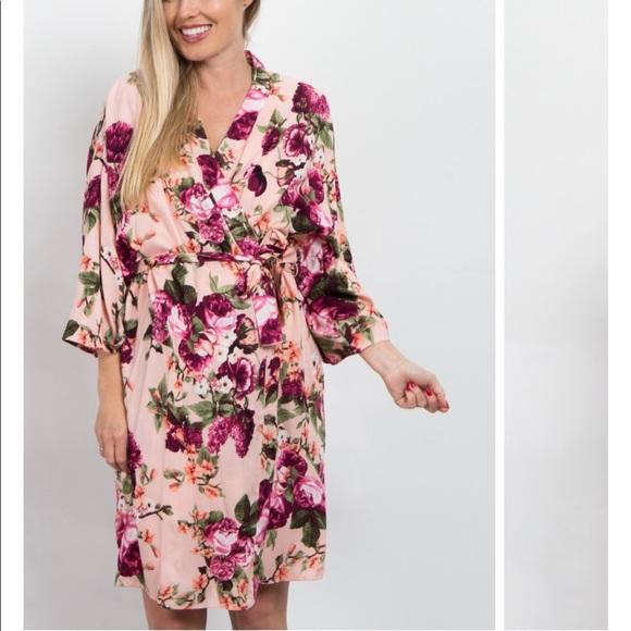 7da97e079f9 Maternity robe from Pink Blush. M 5c76e618951996be38289c16